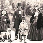 Wealthy-Victorian-Child-and-Family